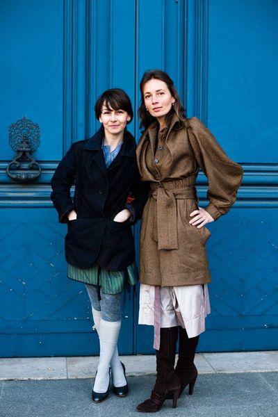 090306-sisters-paris-place-vendome
