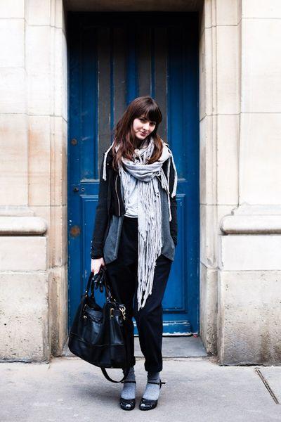 090309-into-the-blue-paris-rue-dupetit-thouars-1