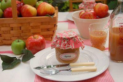 Frolic_apple_table2