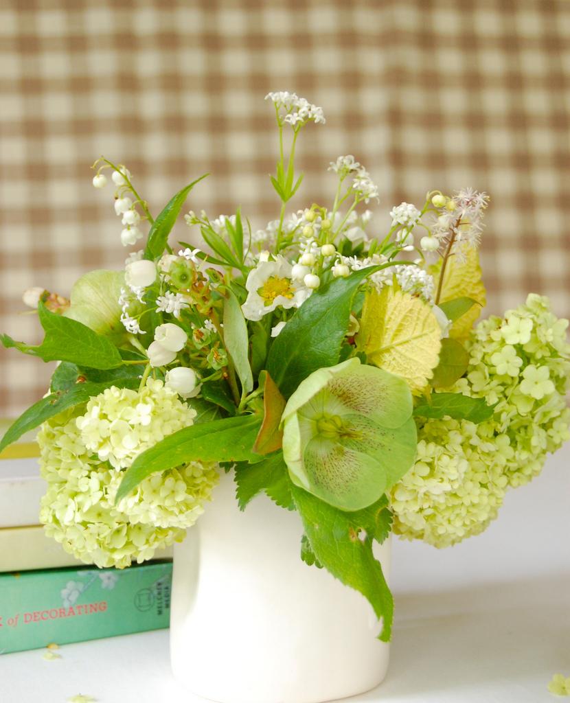 Hellobore bouquet