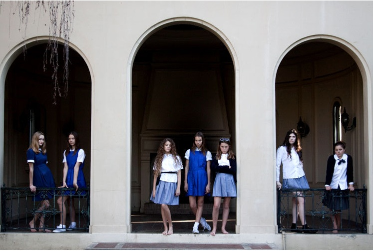 Tamaramuthking_frolic!_schooluniforms