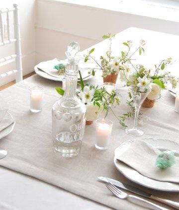 Simple elegant wedding centerpiece
