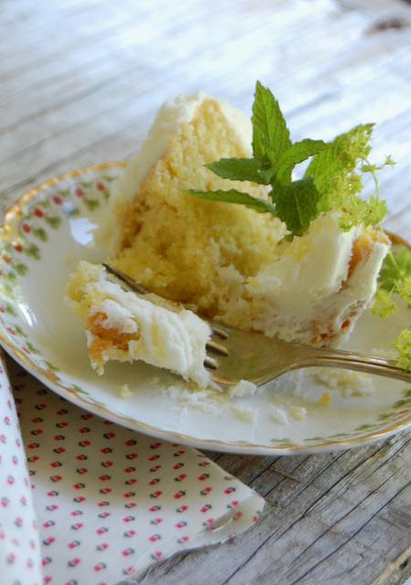 Homemade-wedding-cake