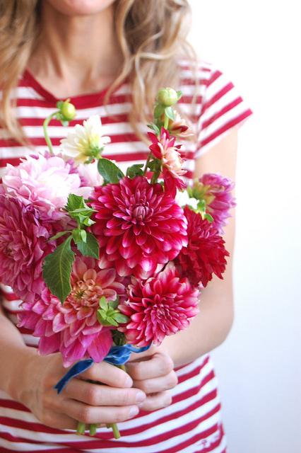 Dahlia-bridal-bouquet
