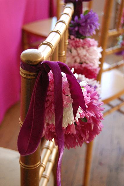 Chair-garland-wedding