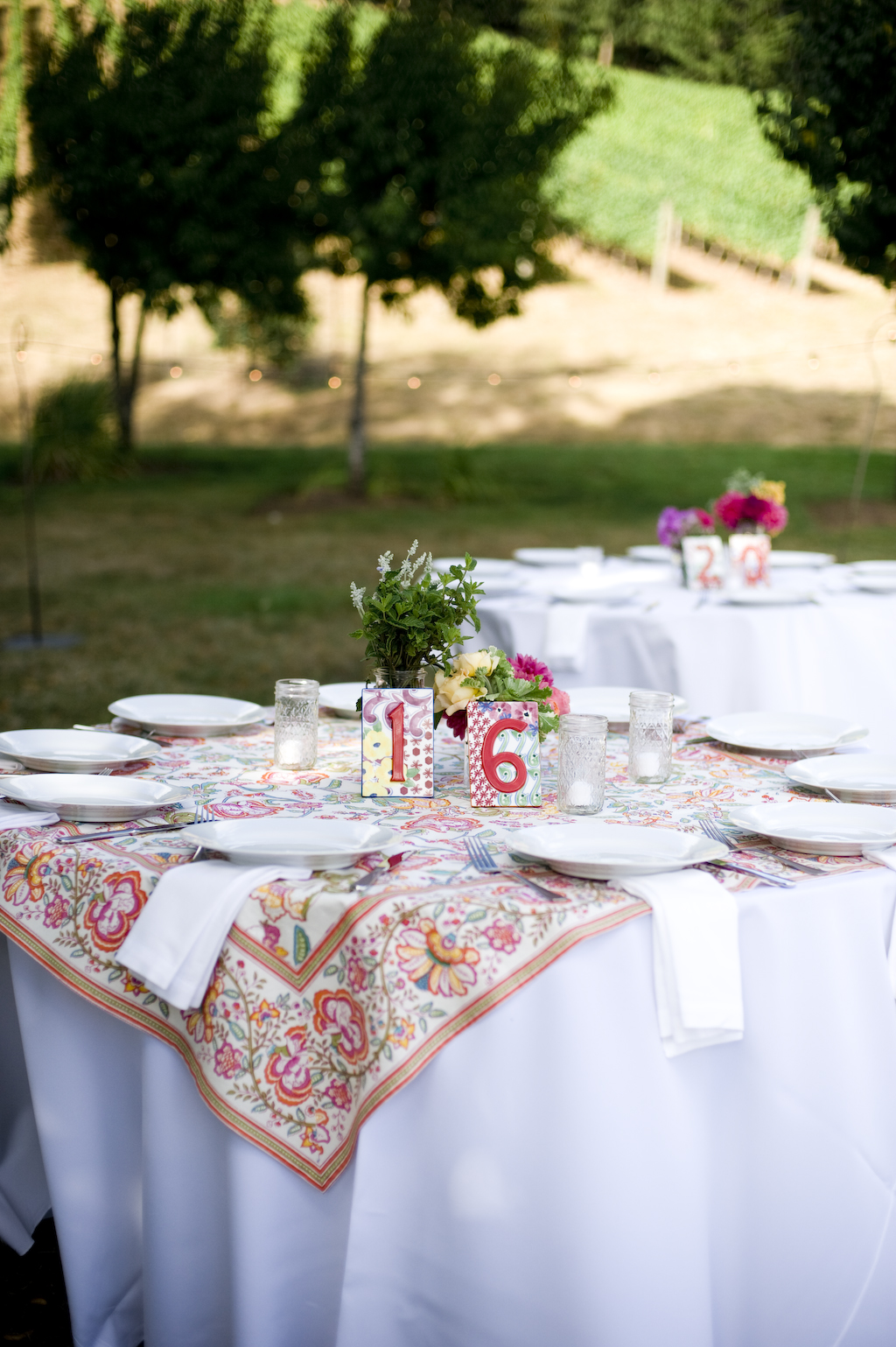 wedding-patterened-tablecloth