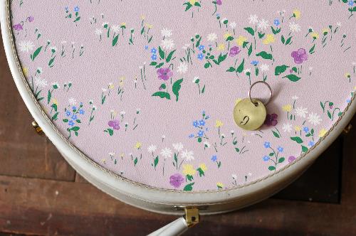 vintage-floral-suitcase