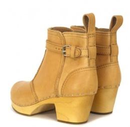 Clog:heels