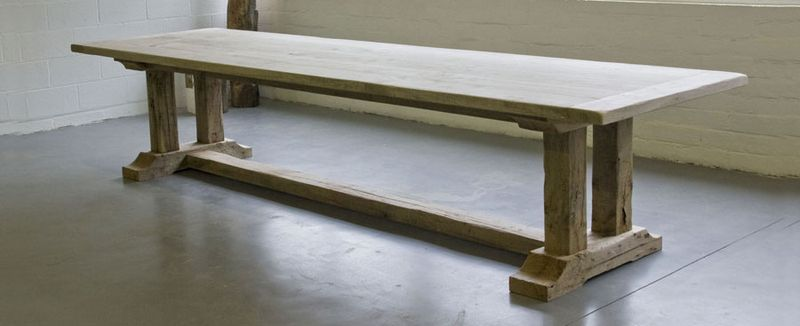 MALVINI-JULIEN-MONASTERY-TABLE-WITHOUT-SUPPORT-