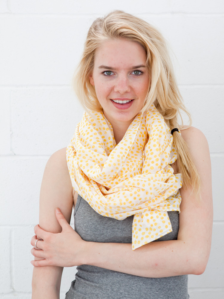 SCARF_PAV_YELLOW_2