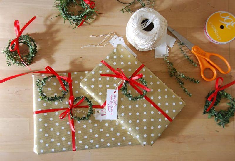 20121207-6 mini-xmas-wreaths