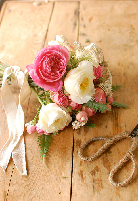 Pink-rose-bouquet-frolic