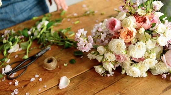 take a flower class! | Frolic | Floral Arrangements