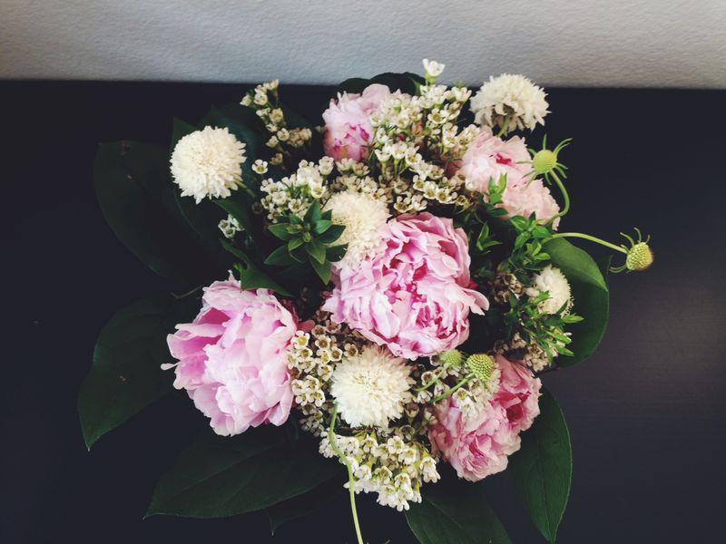 Weekone_bouquet_above