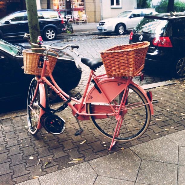 Pink bike berlin