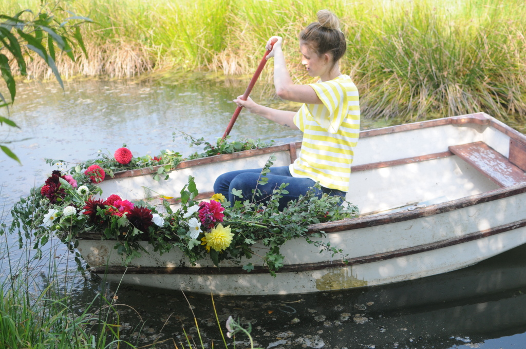 row boat flowers