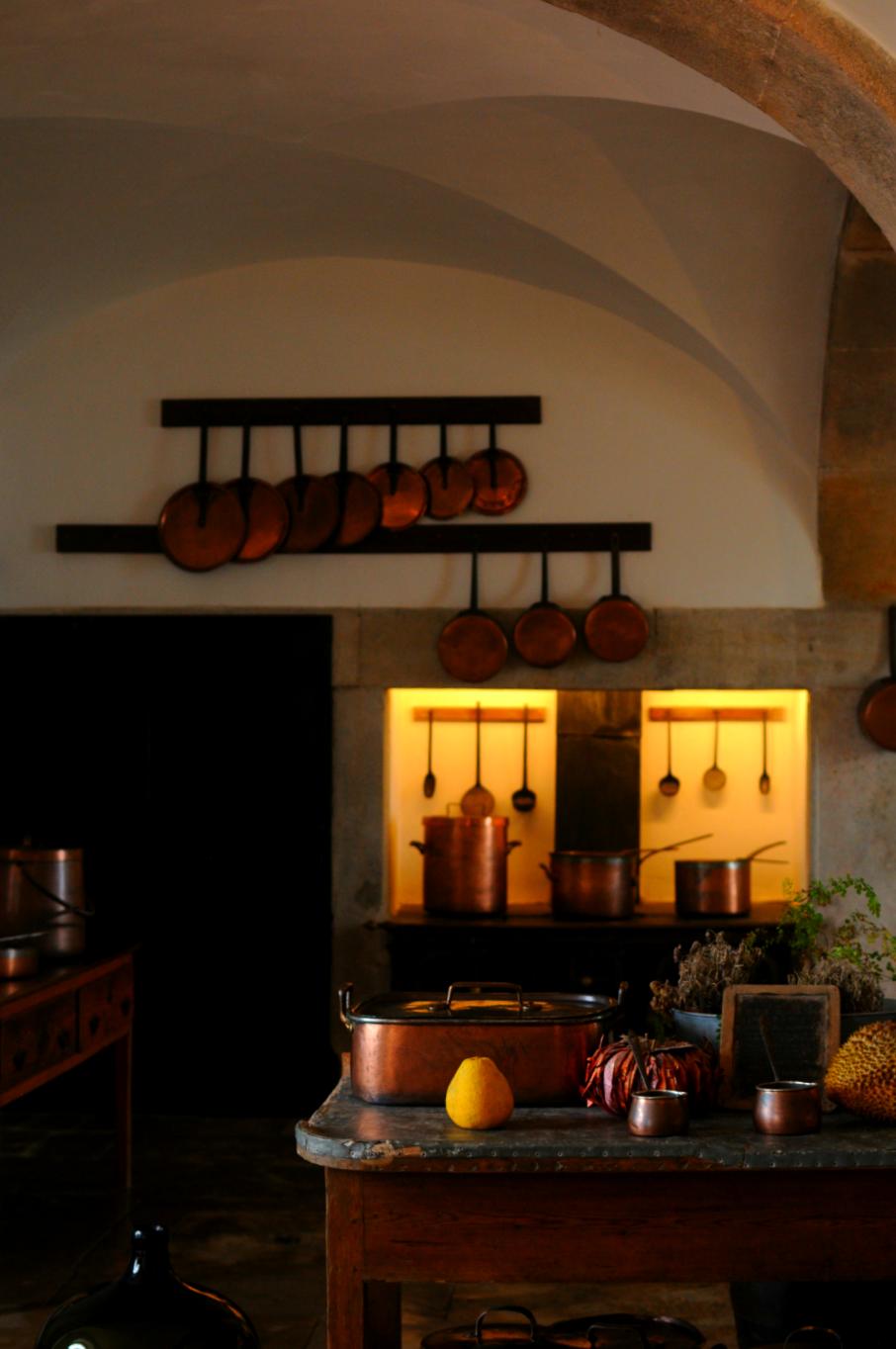 copper pans kitchen