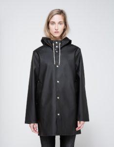 black rain coat stutterheim